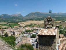 Le village de Bourdeaux à 10km