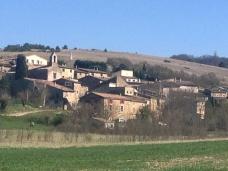 Le village de Francillon sur Roubion à 4km